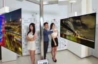 LG показала двухсторонний телевизор толщиной в несколько миллиметров