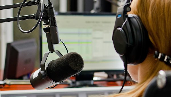 """Диджея бобруйского """"Zефир.FM"""" уволили за """"некрасивый"""" рейтинг городов?"""