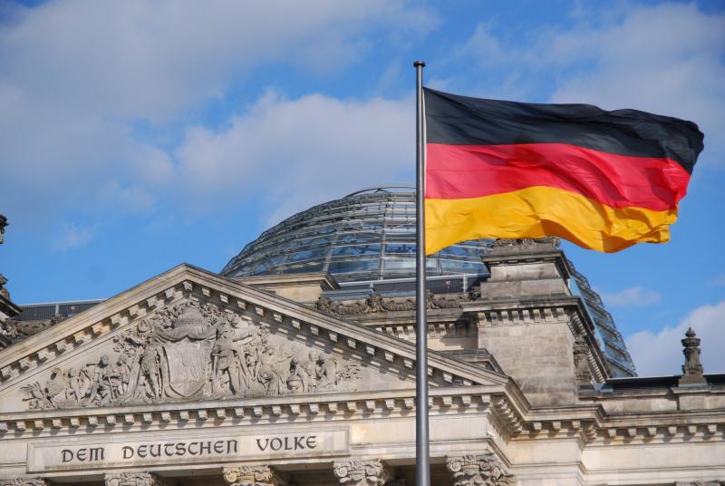 Германия хочет ужесточить контроль над Интернетом